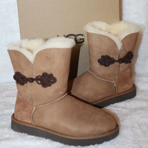 UGG MARIKO BAILEY BOW SUEDE SHORT BOOTS NEW!